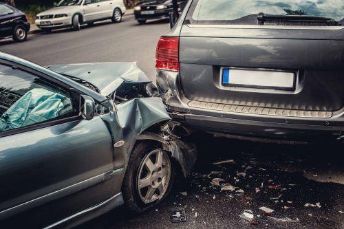 Autounfall - Ärger mit der Versicherung - Lamster hilft